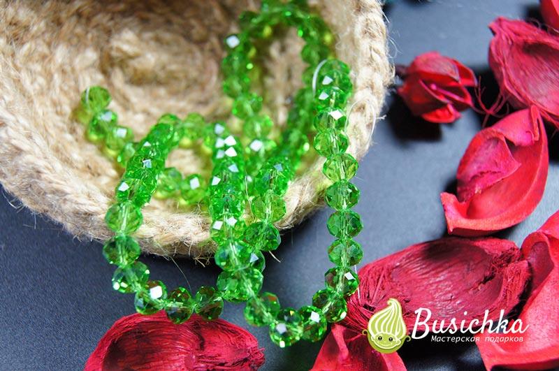 Хрустальные бусины зеленый